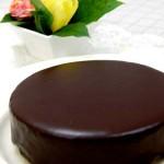 1月・ザッハトルテ(風) チョコレート入りの生地を焼いて上面はガナッシュクリームでコーティング
