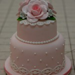 ミニウエディングケーキ 1回のレッスン(3~4時間)で仕上がります。