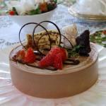 12月・ムース・オ・ショコラ チョコレートのムースをxマスケーキに仕上げます。